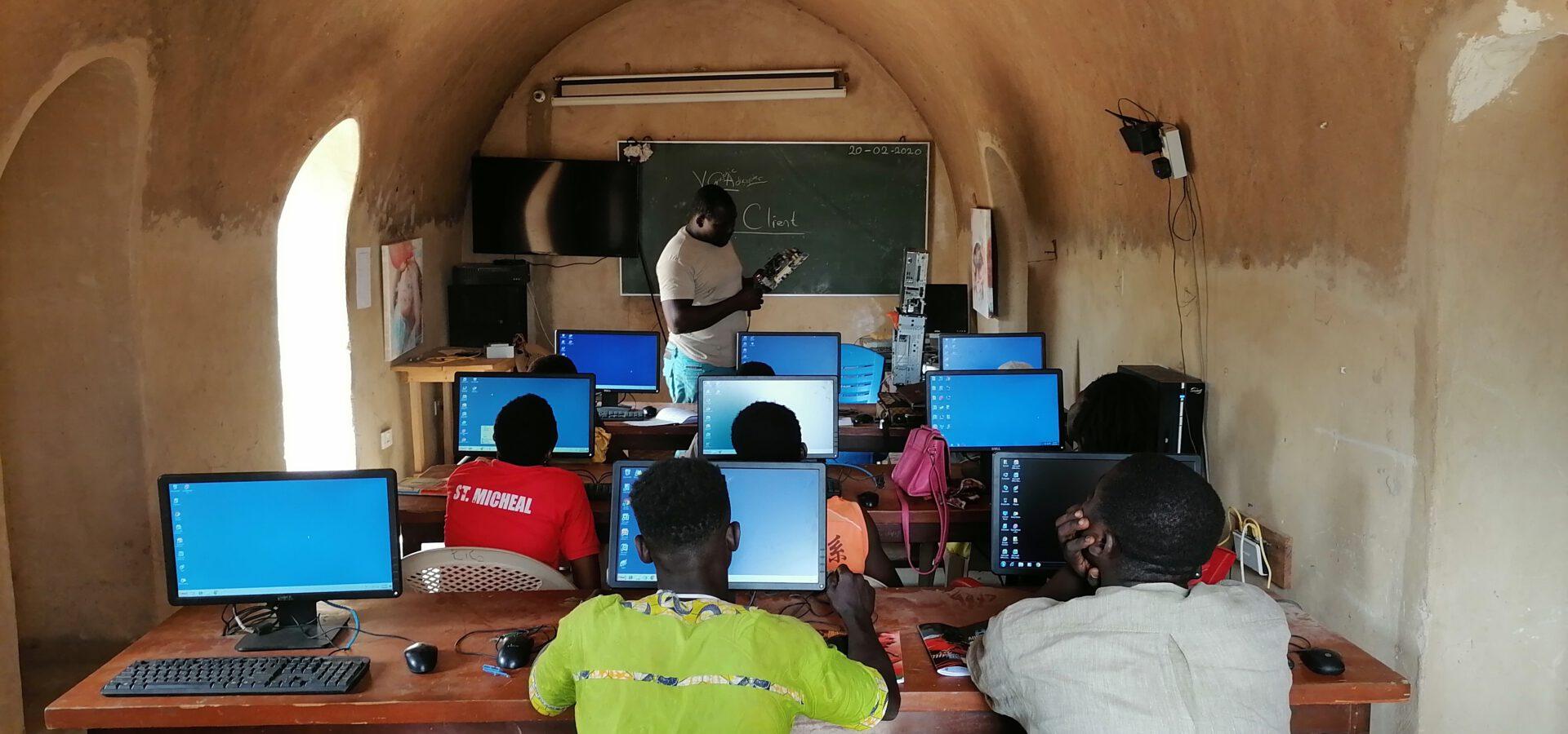 Aufforstungsprojekt in Kyinderi, Ghana, von Koncept Hotels und Click a Tree